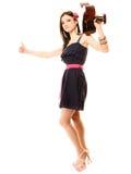 Изолированная девушка при гитара thumbing и пеший туризм заминкы Стоковая Фотография