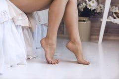 изолированная женщина ног белая Стоковые Изображения RF