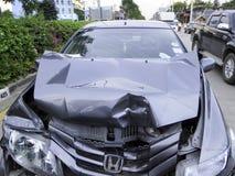 изолированная иллюстрация автомобиля аварии 3d представила белизну Стоковое Изображение