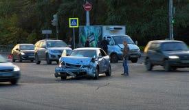 изолированная иллюстрация автомобиля аварии 3d представила белизну Стоковое фото RF
