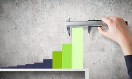 изолированная иллюстрация роста принципиальной схемы предпосылки 3d представила белизну Стоковое Изображение