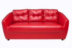 изолированная красная белизна софы Стоковое Фото