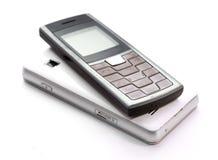 изолированная предпосылкой белизна мобильного телефона Стоковая Фотография RF