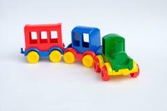 изолированная предпосылкой белизна поезда игрушки Стоковое Изображение RF