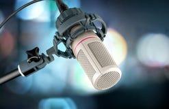 изолированная предпосылкой белизна студии микрофона Стоковая Фотография