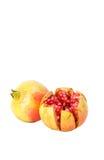 изолированная предпосылкой белизна pomegranate предмета Стоковые Фотографии RF