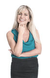 Изолированная привлекательная усмехаясь зрелая женщина над белой предпосылкой стоковые фотографии rf