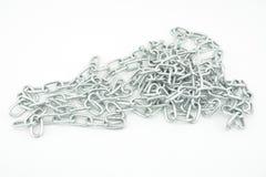 Изолированная серебряная длинная цепь Стоковые Изображения