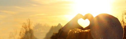 изолированная сердцем белизна символа Стоковая Фотография