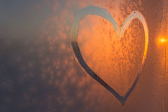 изолированная сердцем белизна символа Стоковые Фото