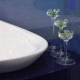 изолированная стеклом белизна вазы Стоковое фото RF