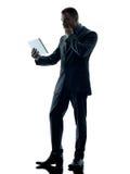 Изолированная таблетка бизнесмена цифровая Стоковые Изображения RF