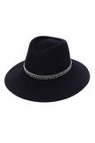 Изолированная черная шляпа шерстей на белом стиле моды предпосылки Стоковая Фотография
