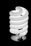 Изолированная электрическая лампочка на черноте Стоковая Фотография