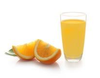 2 изолированного куска апельсина Стоковое Изображение