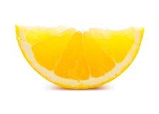 2 изолированного куска апельсина Стоковые Фотографии RF
