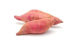 2 изолированного сладкого картофеля Стоковое Изображение
