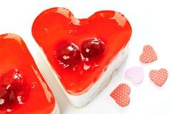 2 изолированного торта студня в форме сердц Стоковое Изображение RF