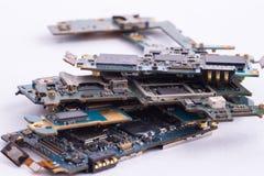 Изолированное mainboard мобильного телефона стоковые изображения