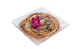 Изолированное Okonomiyaki японский смачный блинчик содержа разнообразие ингридиенты стоковое изображение rf