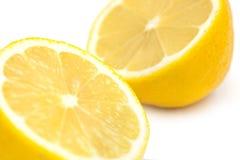 2 изолированной половины лимона Стоковые Изображения