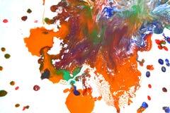 Изолированные большие заплаты пятнают помарки цветов смешанных выплеском Стоковая Фотография RF