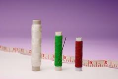 Изолированные вьюрки Концепция Dressmaking Стоковые Фотографии RF