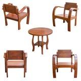 Изолированные деревянный стол и стул Стоковые Фотографии RF