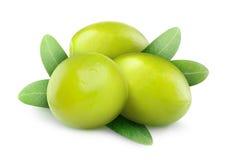 Изолированные зеленые оливки Стоковое Изображение RF