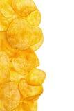 Изолированные картофельные стружки Стоковое Изображение