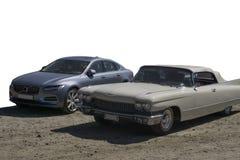 Изолированные новые и старые автомобили стоковые изображения rf