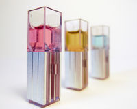 Изолированные образцы лаборатории для химии и биотехнологии, Стоковое Изображение RF