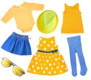Изолированные одежды лета девушки ребенка яркие Стоковые Фотографии RF