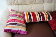 изолированные подушки striped Стоковые Изображения RF