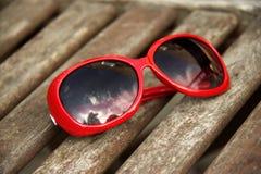 изолированные стекла греют на солнце белизна Стоковые Фото