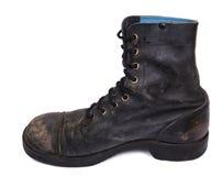 Изолированный используемый ботинок армии - внутренняя сторона Стоковые Изображения