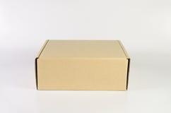 изолированный картон коробки затеняет белизну Стоковые Изображения