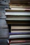 изолированный книгами стог серии Стоковое Фото