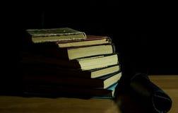 изолированный книгами стог серии Стоковые Фотографии RF