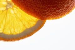 Изолированный кусок апельсина Стоковое Изображение
