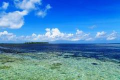 Изолированный остров в расстоянии Стоковое фото RF