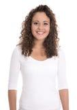 Изолированный портрет: усмехаясь молодая женщина или девушка в белизне с дворняжкой стоковая фотография rf