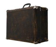 Изолированный поцарапанный винтажный чемодан Брайна на белой предпосылке Стоковая Фотография RF