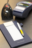 изолированный подарок карточки благодарит белизну вы Пожалуйста приходите снова Стоковые Фото