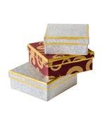 изолированный подарок коробок предела штабелирует вверх белизну Стоковое Фото
