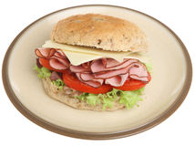 Изолированный сандвич крена ветчины, сыра & салата Стоковое фото RF