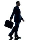 Изолированный силуэт бизнесмена идя Стоковое Изображение RF