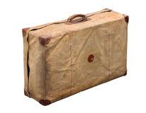 Изолированный старый винтажный пылевоздушный чемодан в крышке Стоковое Изображение RF