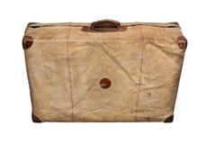 Изолированный старый винтажный пылевоздушный чемодан в крышке Стоковые Фотографии RF
