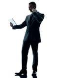 Изолированный телефон таблетки бизнесмена цифровой Стоковое Изображение